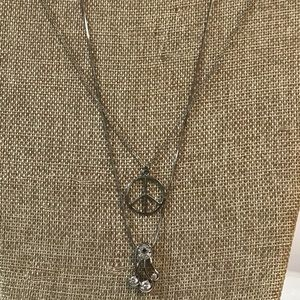 Jewelry - Very fine chains on two nice necklaces